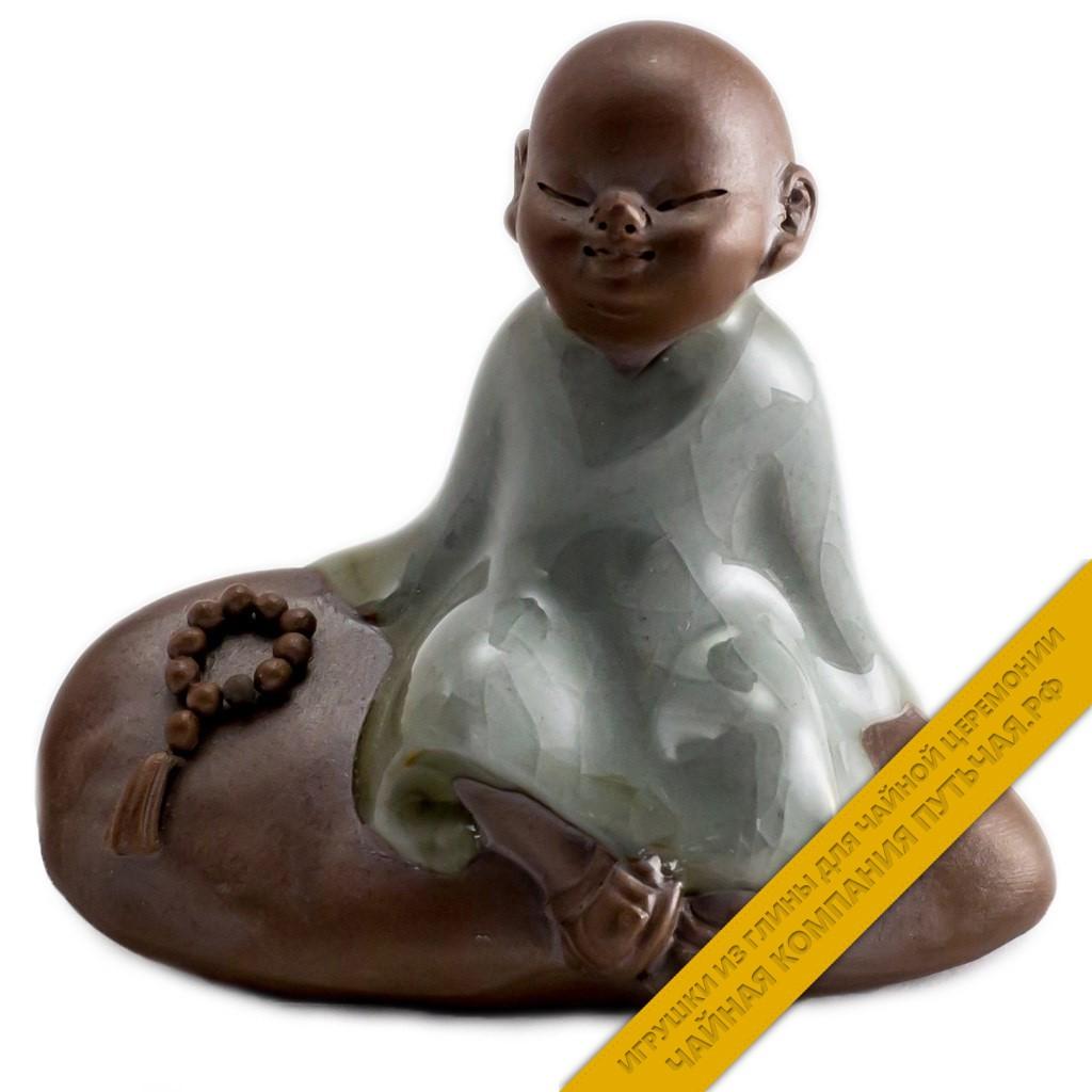Купить игрушку для чайной церемонии из глины Серый монах