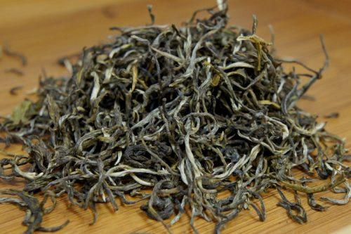 Купить настоящий китайский россыпной чай шен пуэр Сочные Листья Оптом и в розницу с доставкой. Фото.