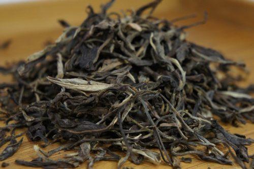 Купить настоящий дикий китайский россыпной чай шен пуэр Старое Дерево Оптом и в розницу с доставкой. Фото.