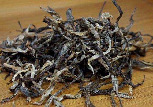 Купить настоящий дикий китайский россыпной чай шен пуэр Хун Инь Лу Оптом и в розницу с доставкой. Фото.