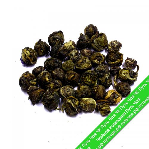 Мы предлагаем выбрав по фотографии: Купить чай зелёный с добавками Хуа Лун Чжу - Жасминовая жемчужина оптом и в розницу от производителя! Быстрая доставка по РФ и странам ТС.